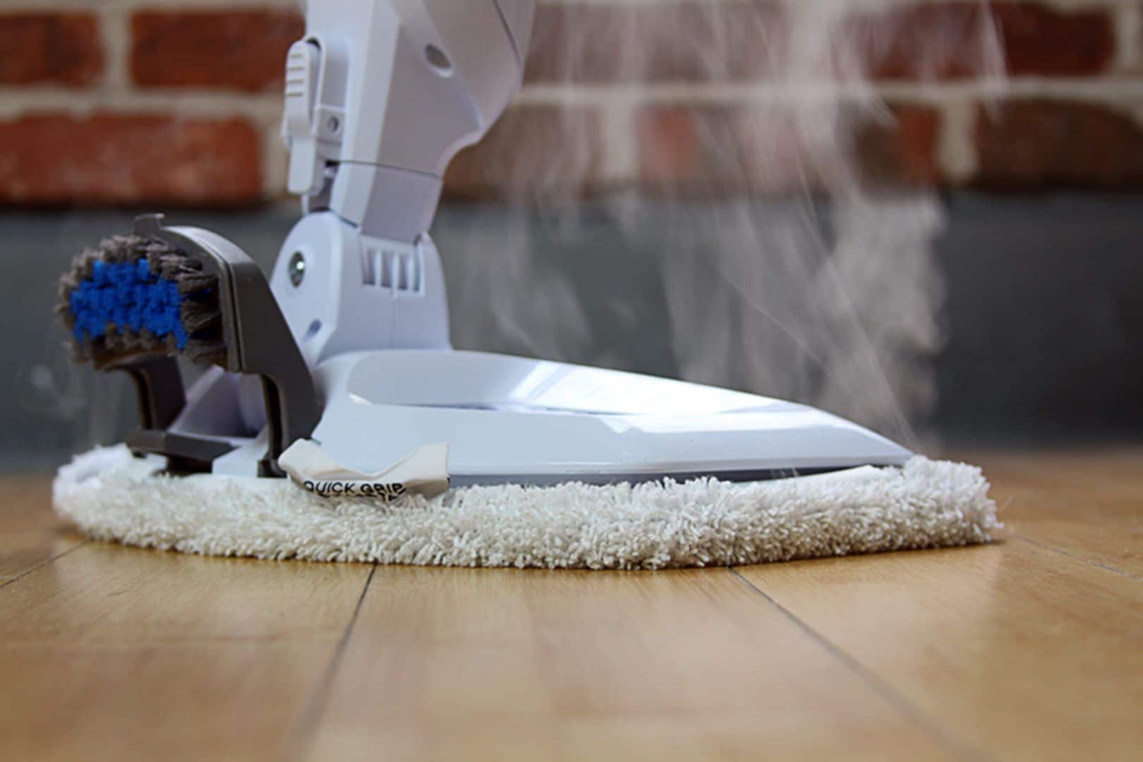 Check Out The Benefits of Using a Steam Mop